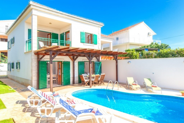 Villa Cvita with private swimming pool and bed chairs on the island of Hvar for renting