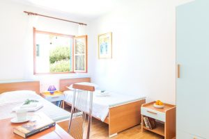 Twin bedroom In Villa Cvita
