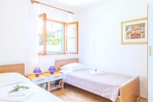 Twin bedroom in Croatian Villa Cvita